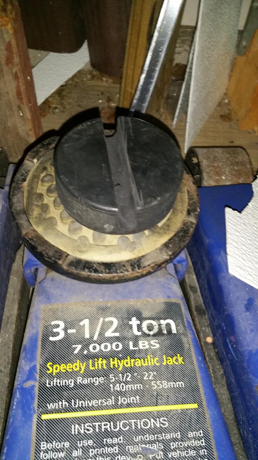 Anyone Use A Hydraulic Floor Jack To Lift Their Edge Wheels Tires Ford Edge Forum